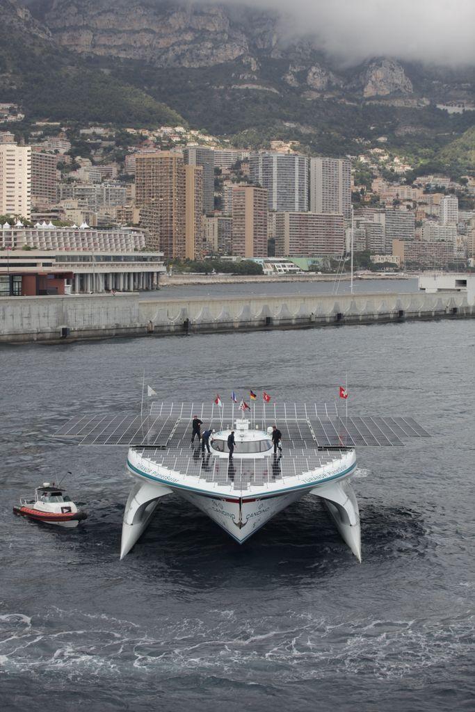 barco solar 2