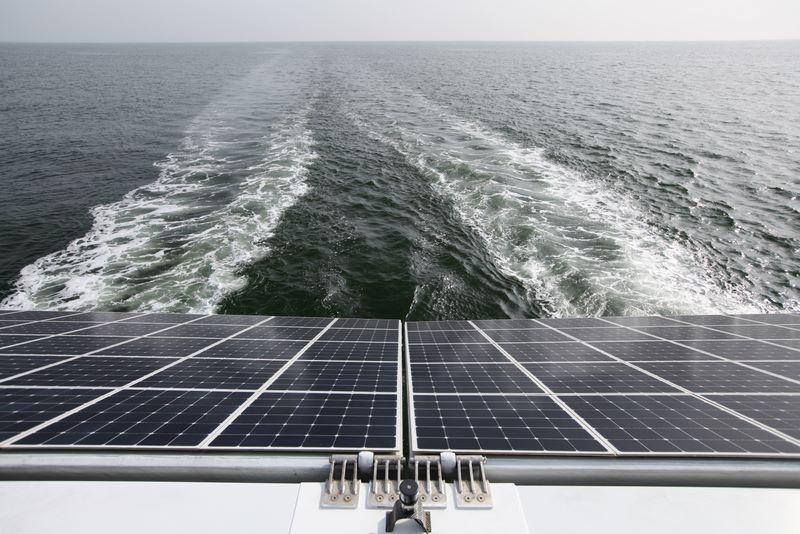 barco solar 4